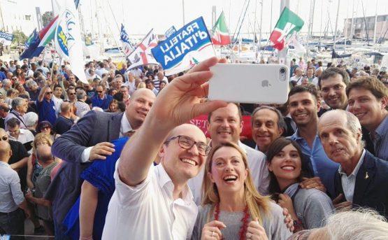 In basso il nuovo sindaco di Cagliari Paolo Truzzu Fdi e Francesca Ghirra