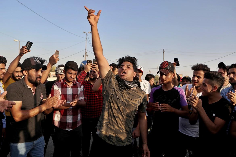 Le proteste riesplose a Bassora