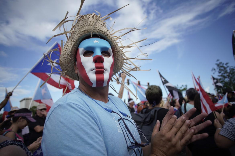 Manifestazioni contro il governatore Rossellò a Porto Rico
