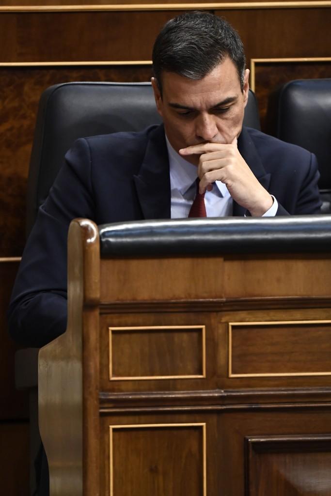 Il leader socialista Pedro Sanchez, incaricato di formare il governo a Madrid, al primo tentativo senza fiducia