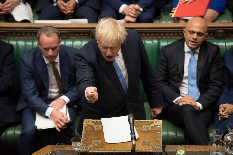 Un esagitato Boris Johnson durante il discorso d'esordio come primo ministro