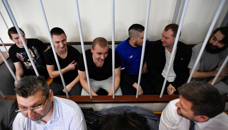 I marinai ucraini arrestati dai russi nel novembre scorso a processo
