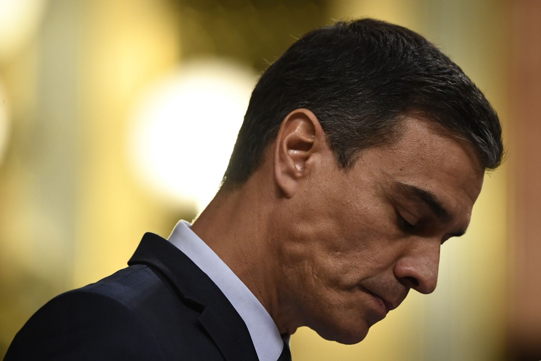 Il leader socialista Pedro Sánchez incassa la sconfitta in aula