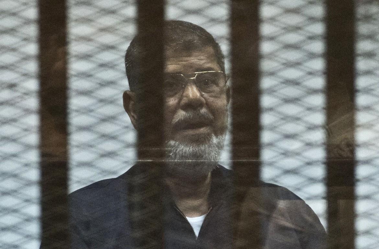 L'ex presidente Morsi in aula il giorno prima della morte