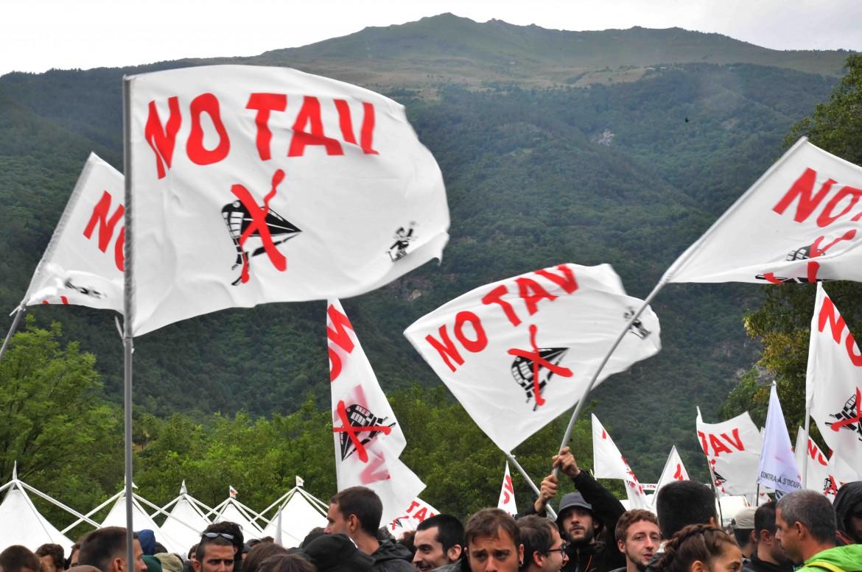 Una manifestazione No Tav in val di Susa