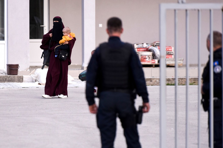 Il rientro a Pristina dei familiari dei membri dell'Isis