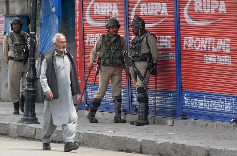 La chiusura imposta al Kashmir