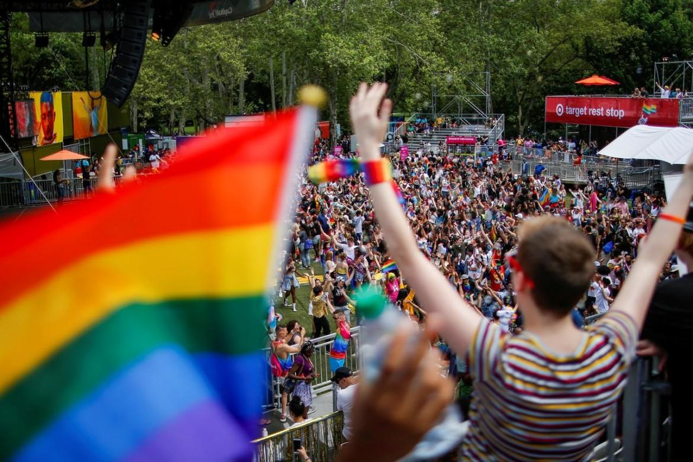 gay sesso app Europa 27 anno vecchio donna dating 40 anno vecchio uomo