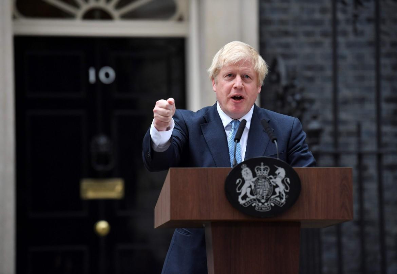 Boris Johnson, in basso suo fratello Jo