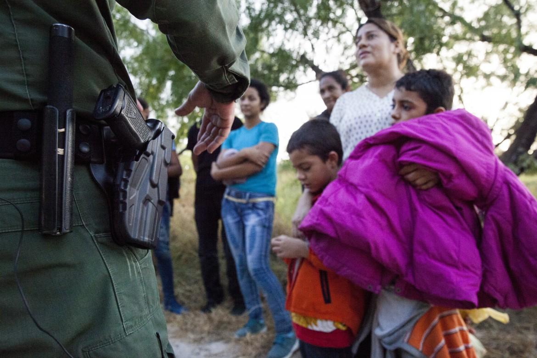 Risultati immagini per foto di luca celada della frontiera messico / Usa
