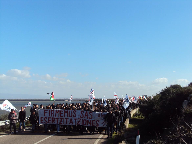 Manifestazione antimilitarista a Capo Frasca