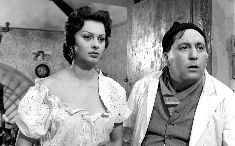Furia con Sophia Loren in una scena da «L'oro di Napoli»