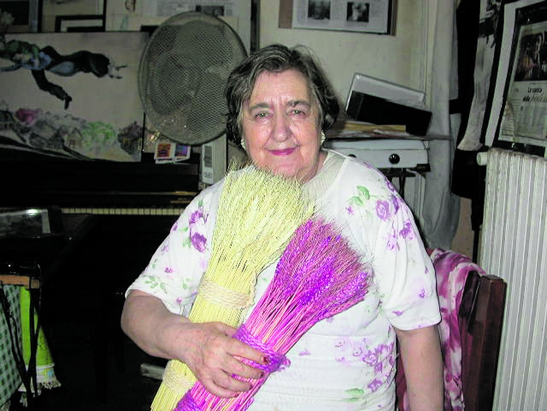 Un ritratto di Alda Merini nella sua casa di Milano (foto di Giusy Calia, tratta dalla serie dedicata alla poeta tra il 2000 e 2003)