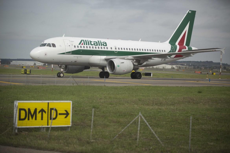 Aereo Alitalia a terra