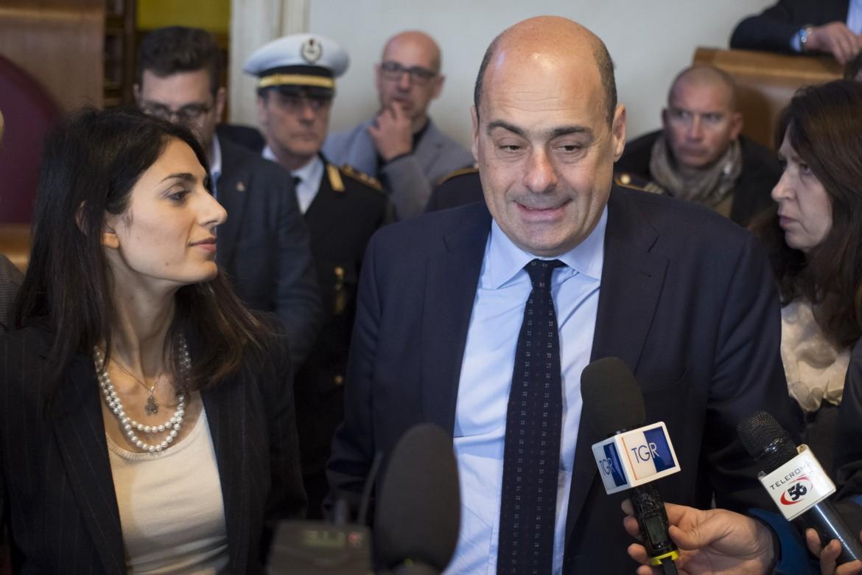 la sindaca di Roma Virgina Raggi e il presidente della Regione Lazio Nicola Zingaretti