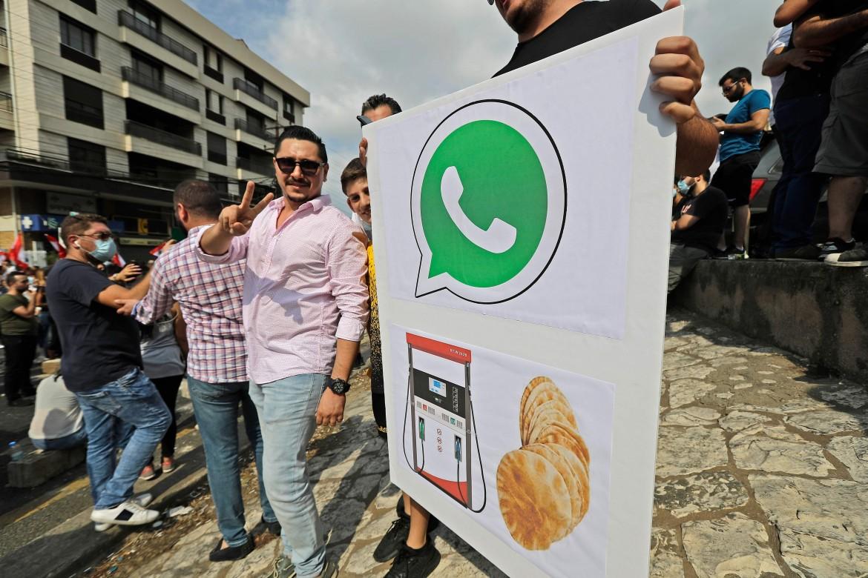 Manifestanti a Beirut