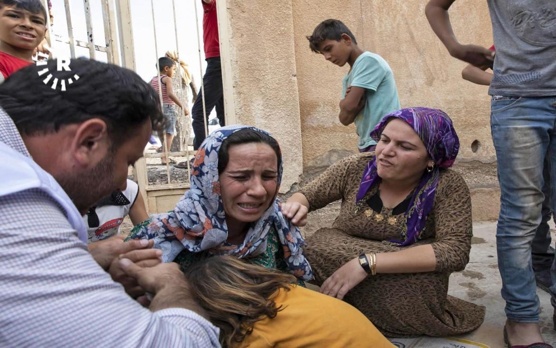 Famigliari di vittime dei bombardamenti turchi su Ras al Ain