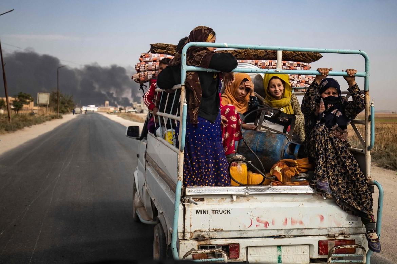 Sfollati dal confine turco-siriano nel Rojava