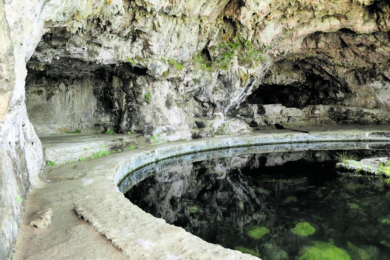 Veduta della grotta di Tiberio a Sperlonga