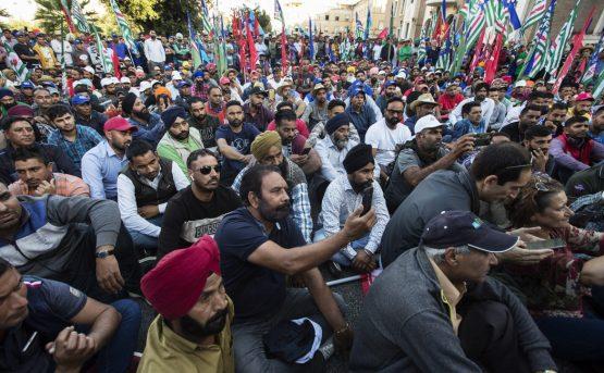 I braccianti sikh si ribellano a Latina lo sciopero indiano