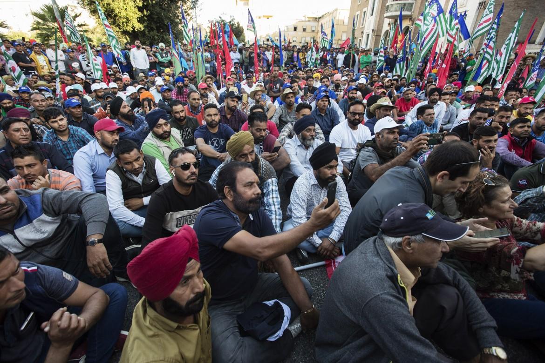 La manifestazione dei braccianti indiani ieri a Latina