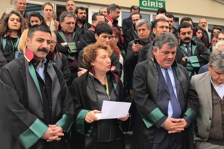 La protesta degli avvocati dopo le sentenze del 20 marzo scorso