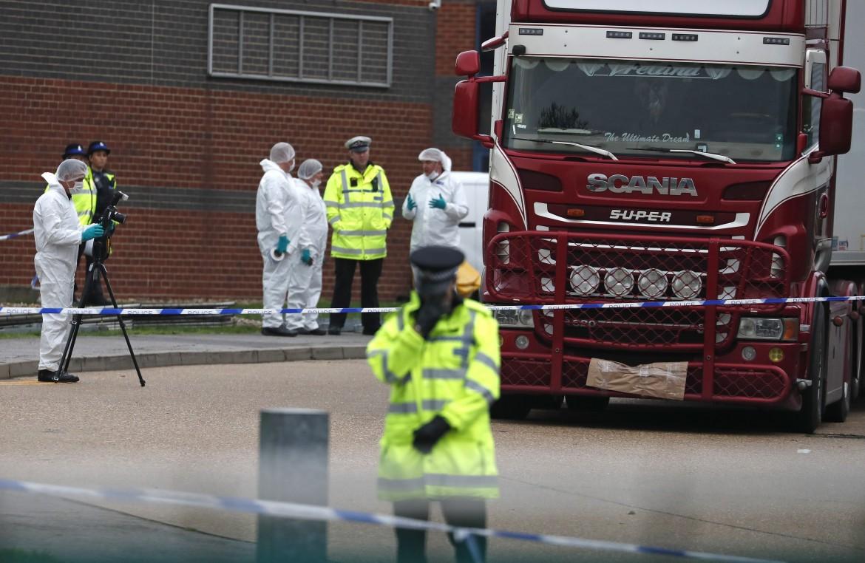 Il tir trovato a Thurrock, nell'Essex, che trasportava 39 migranti morti