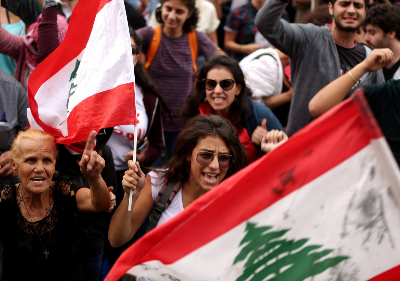 Protesta contro il governo a Jal al Dib, nord di Beirut