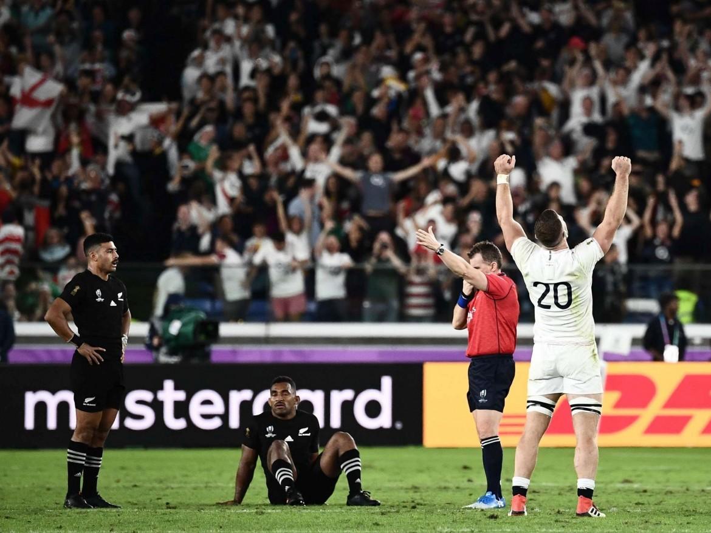 Un momento del match fra Inghilterra e All Blacks