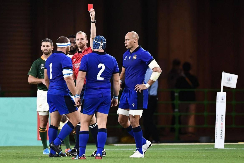 Lovotti espulso durante il match con il Sudafrica