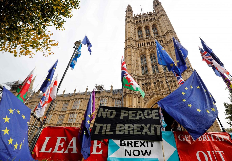 Londra, pro-Brexit davanti a  Westminster