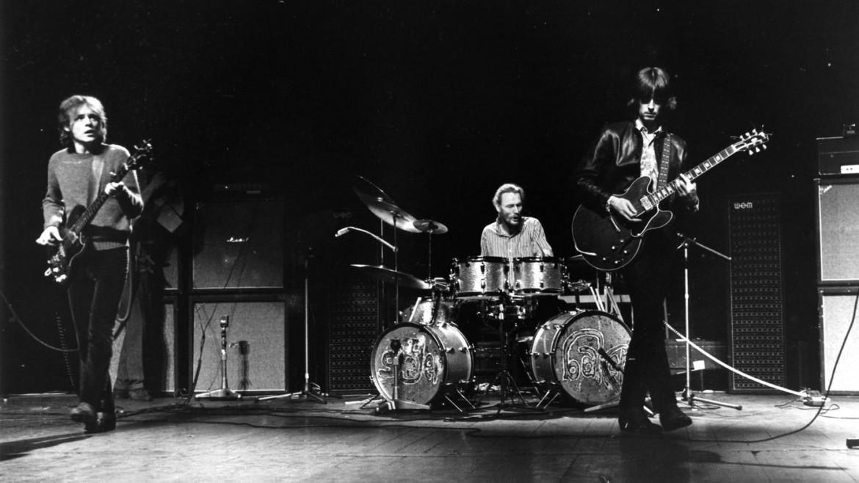 Jack Bruce, Ginger Baker e Eric Clapton dei Cream sul palco in occasione del loro concerto d'addio alla Royal Albert Hall di Londra il 26 novembre 1968