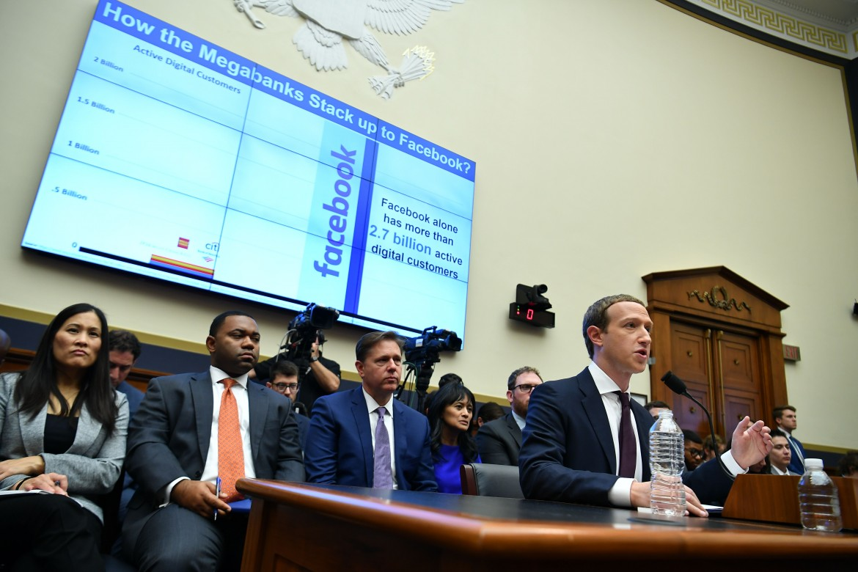 Washington, 23 ottobre. Mark Zuckerberg, presidente e CEO di Facebook, testimonia davanti al comitato dei servizi finanziari della Camera