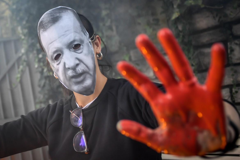 Manifestazione di solidarietà ai curdi a Milano