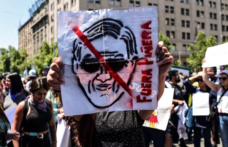 Un momento della manifestazione del 30 ottobre a Santiago del Cile