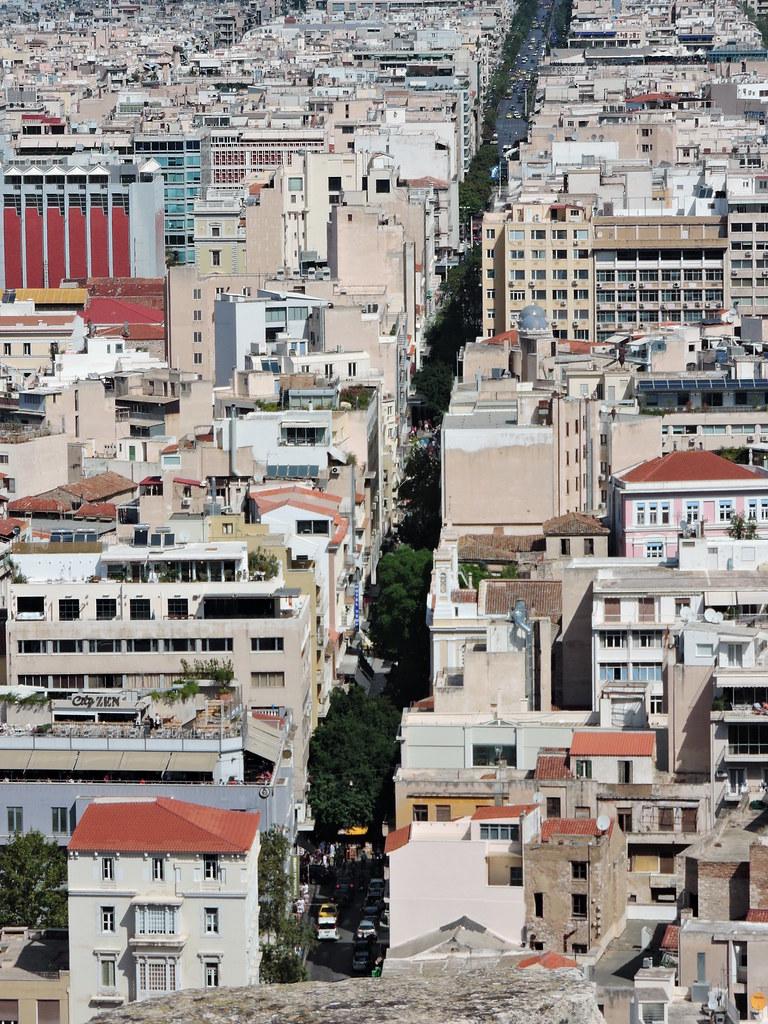 Centro di Atene, via Aiolou fotografata dall'Acropoli