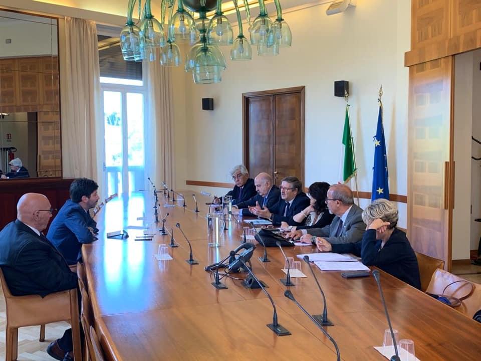 Il tavolo al ministero della Salute fra il ministro Roberto Speranza e i sindacati dei pensionati