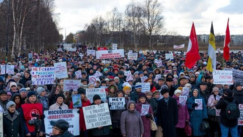 Manifestazione ad Archangelsk contro la discarica