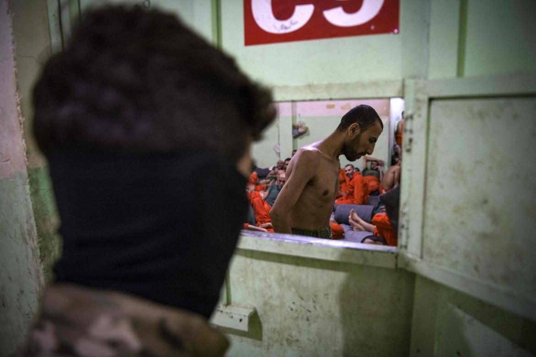Un centro di detenzione delle Sdf per prigionieri Isis ad Hasakeh