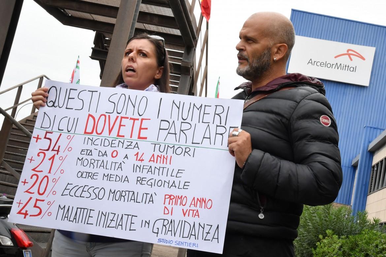 Taranto. Una manifestazione di «Liberi-Amo Taranto»