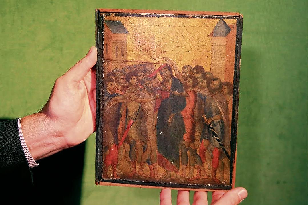La tavoletta di Cimabue ritrovata in una cucina nei pressi di Compiègne e battuta all'asta il 27 ottobre