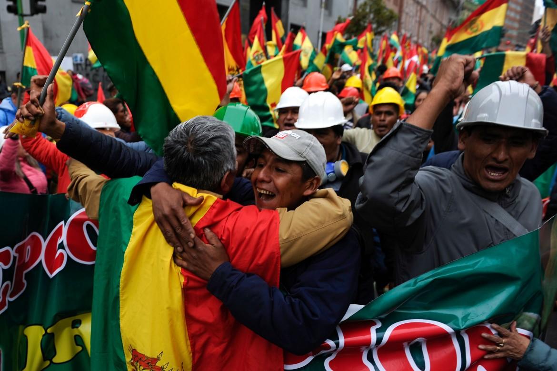 La festa dei sostenitori di Carlos Mesa ieri a La Paz
