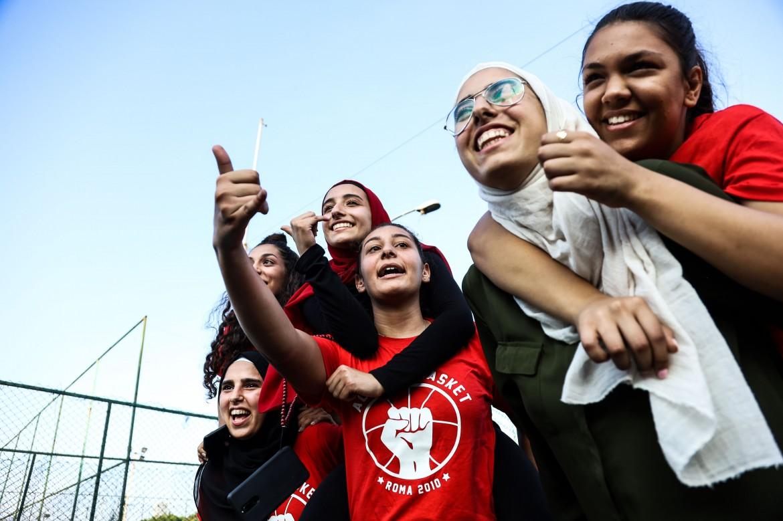 Le ragazze del Real Palestine mentre si allenano a Qasqas, Beirut