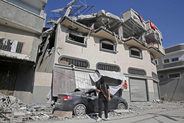 L'abitazione di Bahaa Abu Al Ata dopo l'attacco aereo israeliano