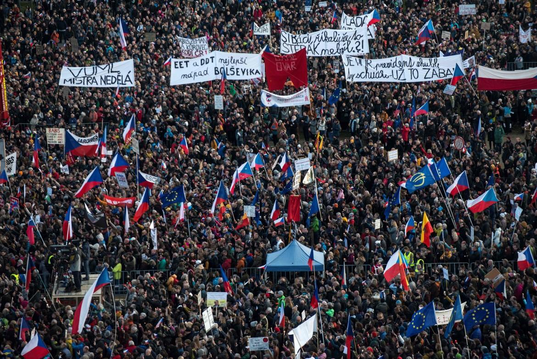 La manifestazione di ieri alla piana di Letná a Praga