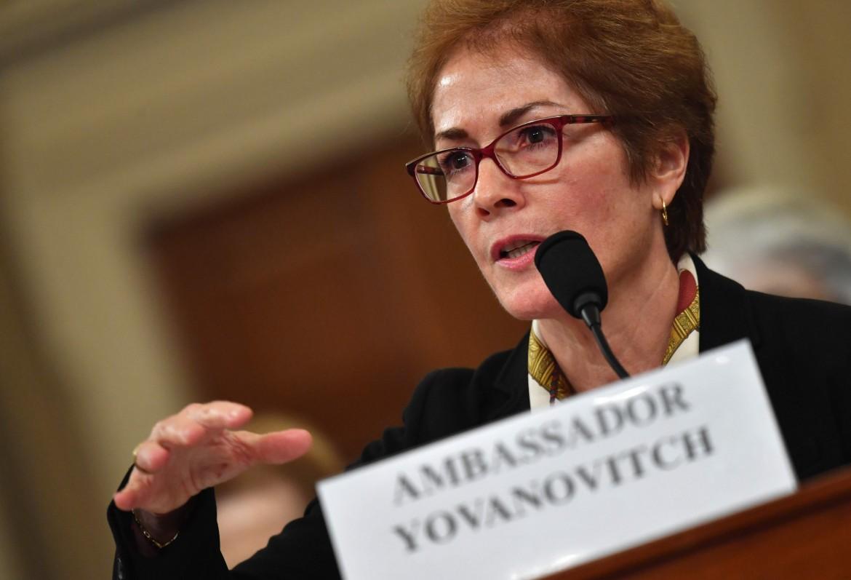 L'ex ambasciatrice a Kiev Marie Yovanovitch durante l'udienza pubblica di ieri, 15 novembre