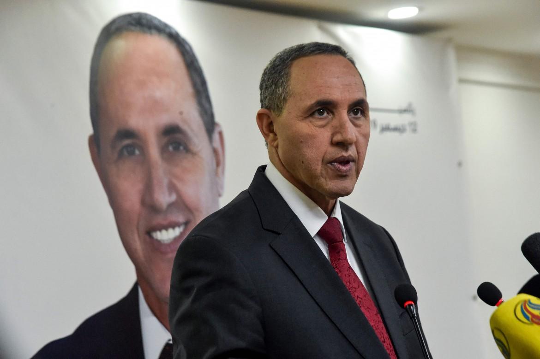 L'ex ministro della Cultura Azzedine Mihoubi, uno dei cinque candidati alle presidenziali