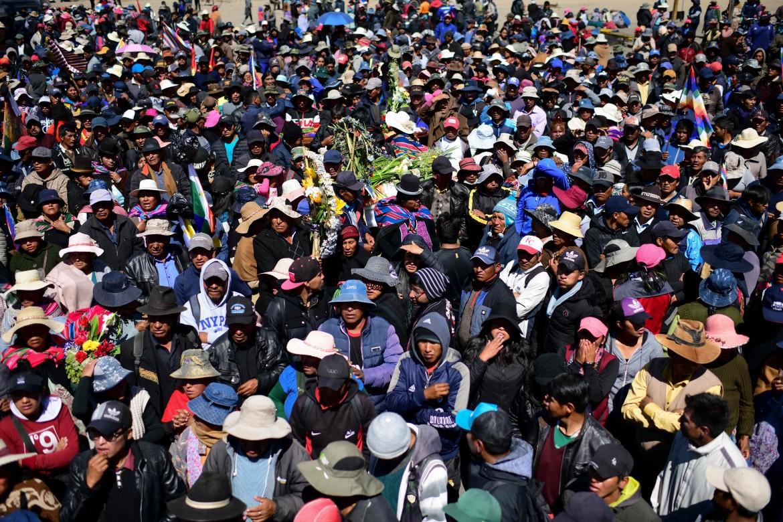El Alto, 21 novembre, i funerali dei nove manifestanti uccisi dalle forze di sicurezza