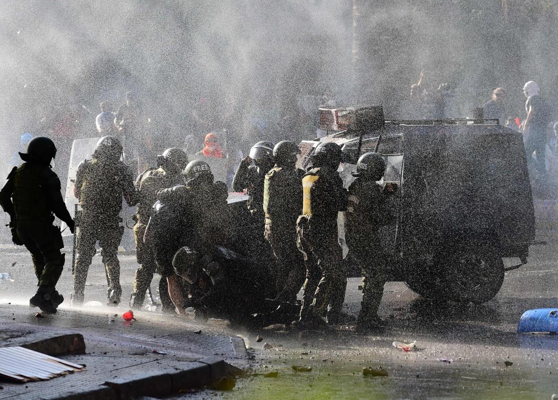 Uno dei momenti della rivolta in Cile