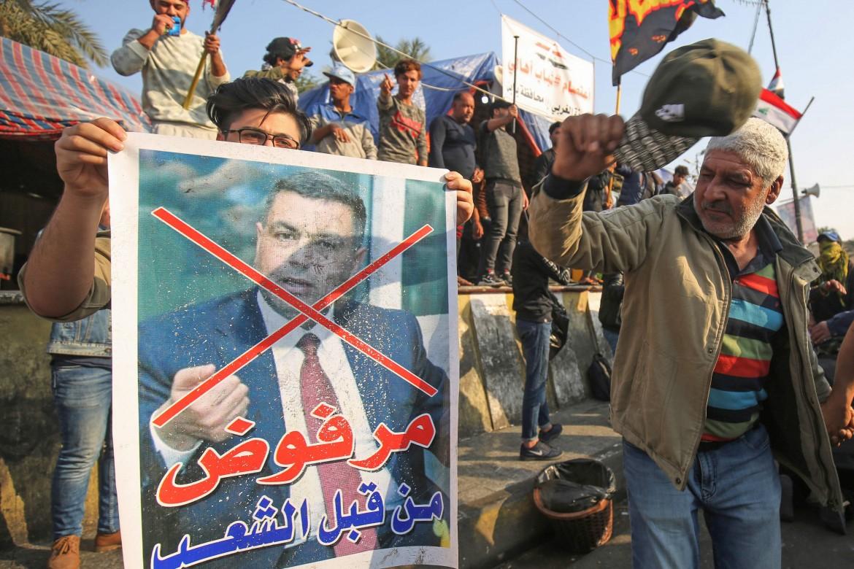 Piazza Tahrir, a Baghdad, protesta contro la nomina di al-Eidani